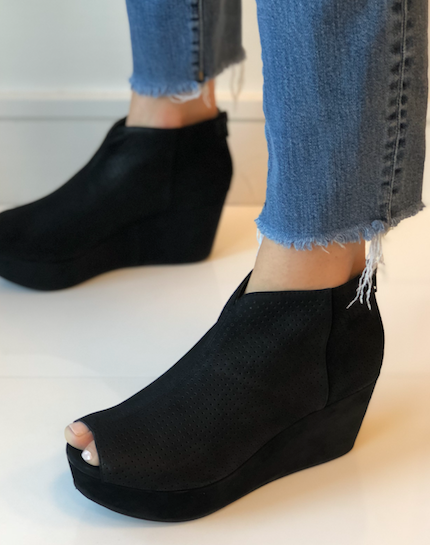 Walee Wedge - Black Suede