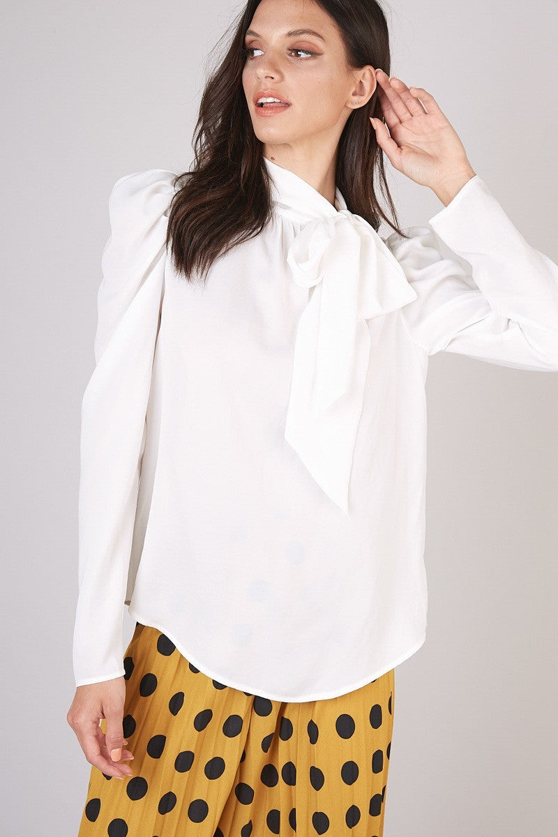 RIBBON TIE NECK POINT TOP