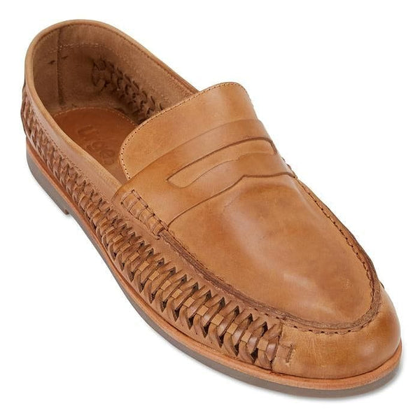 Urge Shoes Marakesh in tan oily colour. With plaited side feature, top view.