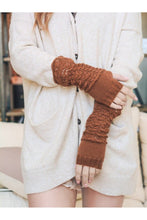 Load image into Gallery viewer, Warm me up open finger gloves in camel