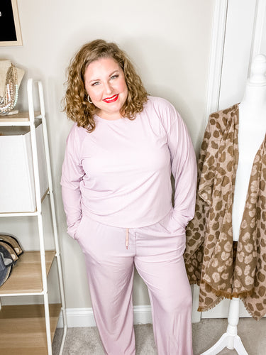 Lily Ribbed Lounge Wear in Lilac