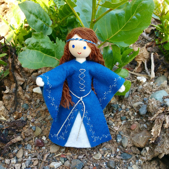 Natural Maid Marian Dollhouse Doll
