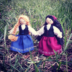 Snow white and rose red Wildflower toys