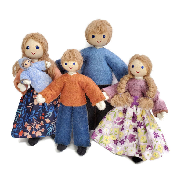 Dollhouse Family with Big Kids - Light Brown Hair