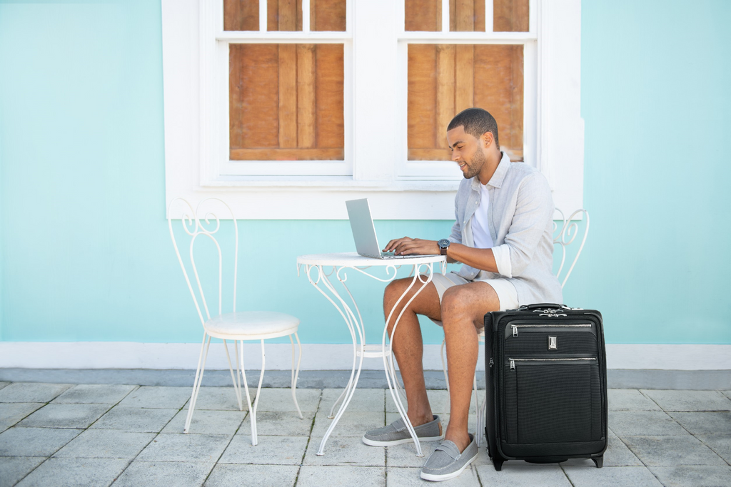 REDUCE BUSINESS TRIP STRESS WITH BLEISURE TRAVEL