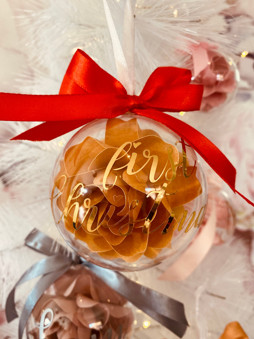 Christmas Bauble - Mirror gold vinyl
