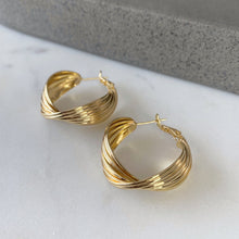 Load image into Gallery viewer, The Twist Earrings