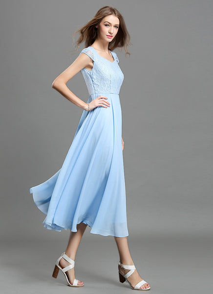 Light Blue Lace Chiffon Midi Dress With Sweetheart Neck