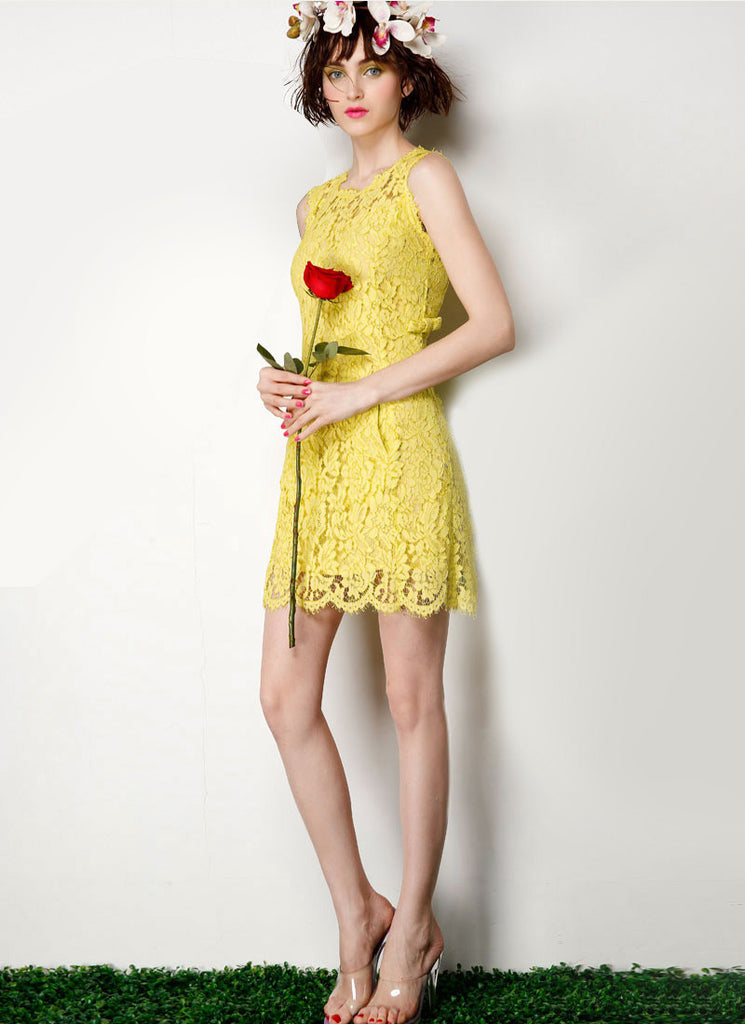 Sleeveless Yellow Lace Sheath Dress with Bow Embellishment