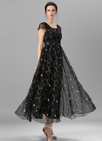 Floral Embroidered Black Lace Maxi Dress with Ruffled Bodice and Wide Waist Yoke RM601