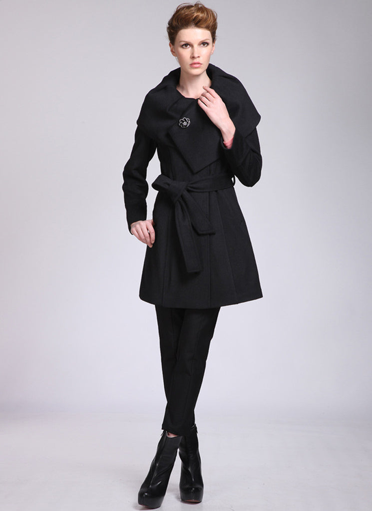 Short Black Cashmere Wool Coat with Shaw Collar