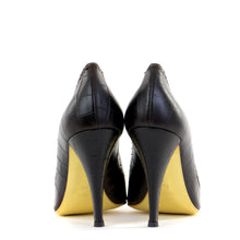 Load image into Gallery viewer, Croc Leather Pointed Courts 39
