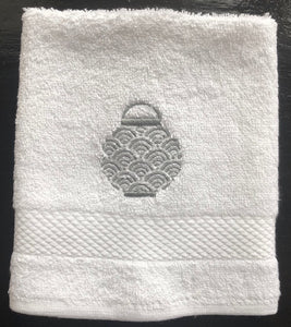 White Face Towel with Grey lantern