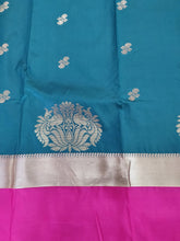 Load image into Gallery viewer, Bottle Green Pink Border Kanchi Blend Kanjivaram Silk Saree Kanchi08 - Ethnic's By Anvi Creations