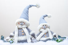 Load image into Gallery viewer, Chilly Snowman - Family
