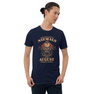 August Geburtstag alter Mann Kurzärmeliges Unisex-T-Shirt