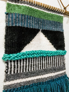 How to Make Vertical Stripes In Your Weaving