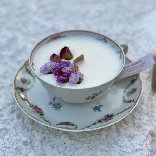 "P10 ""ROYALTY ROSE GARDEN"" TEACUP CANDLE"