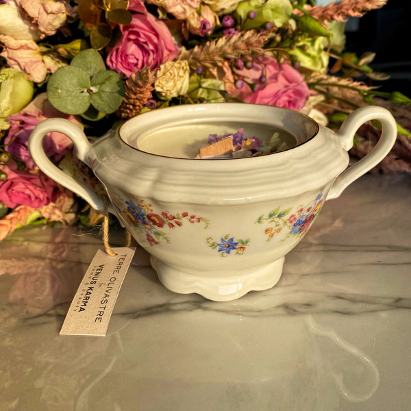 "A9 ""MARIE SUISE 1930s"" SUGAR BOWL CANDLE"