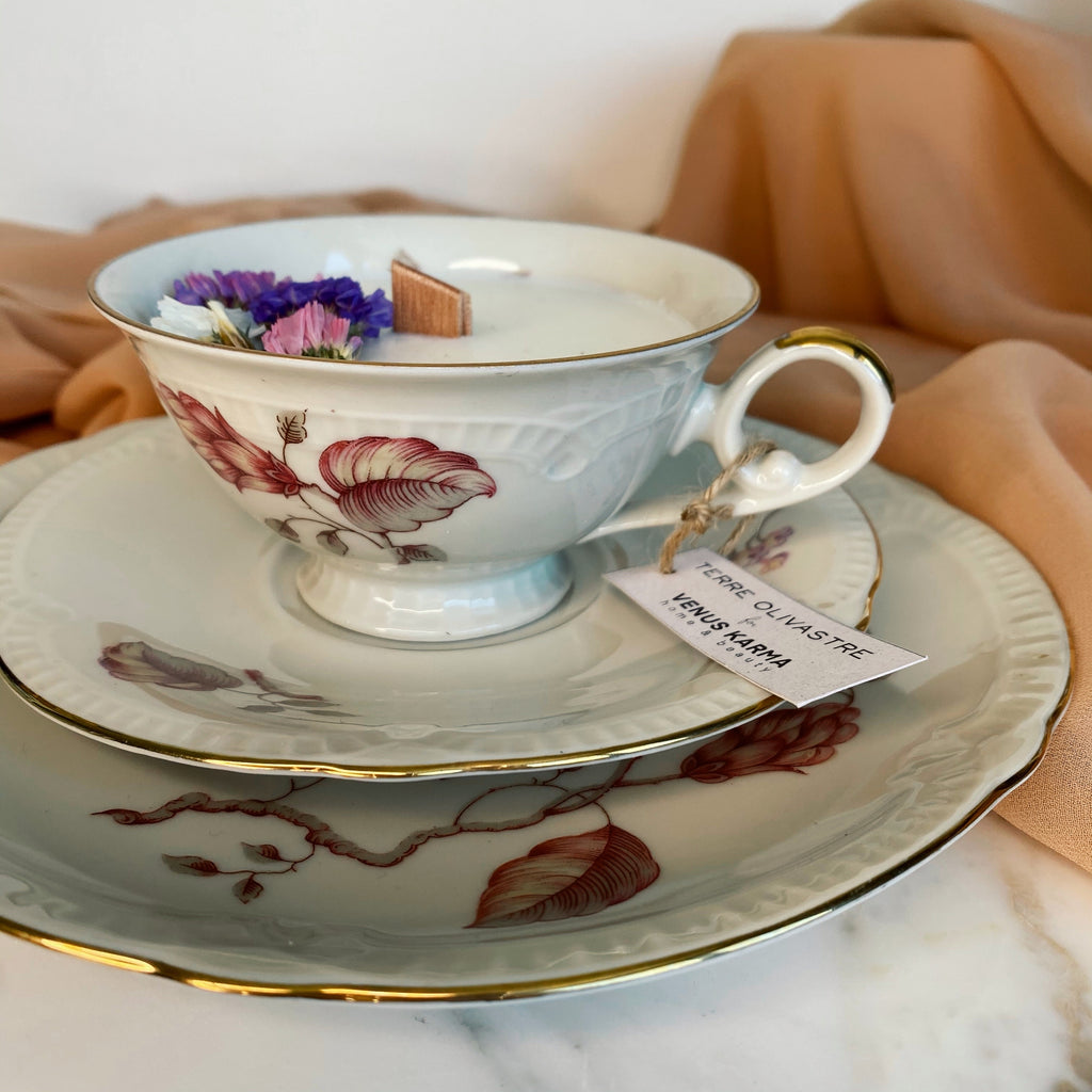 "D20 ""RARE DOUBLE PLATE"" TEACUP CANDLE"