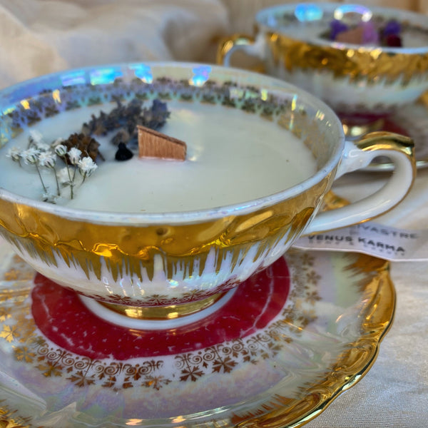 "D1 ""IRIDESCENT 1930s"" TEACUP CANDLE"