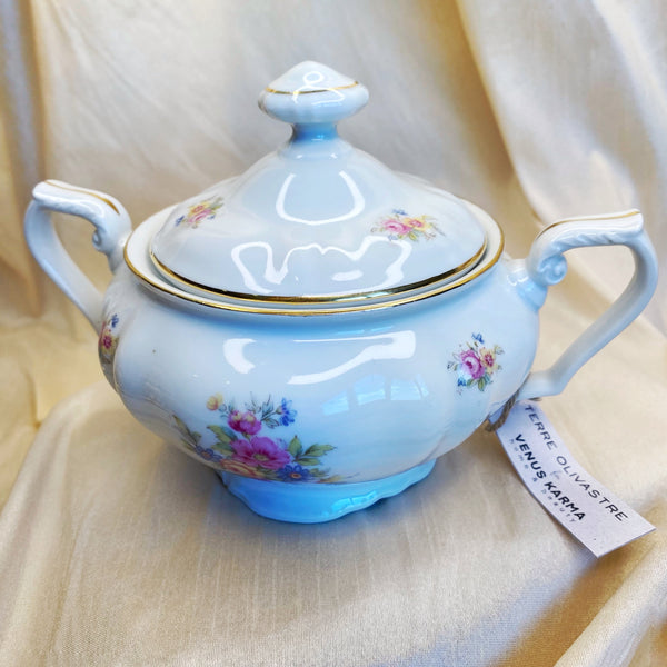 "C21 ""GRAND BEAUTY"" SUGAR BOWL CANDLE"