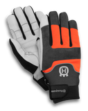 Technical Gloves with saw protection