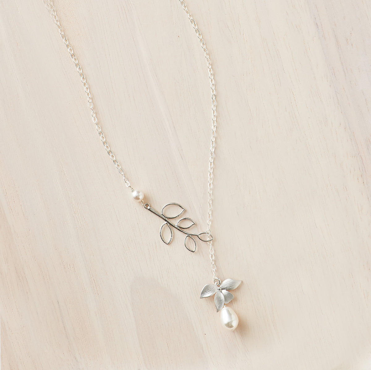 Floral Pearl Lariat Necklace