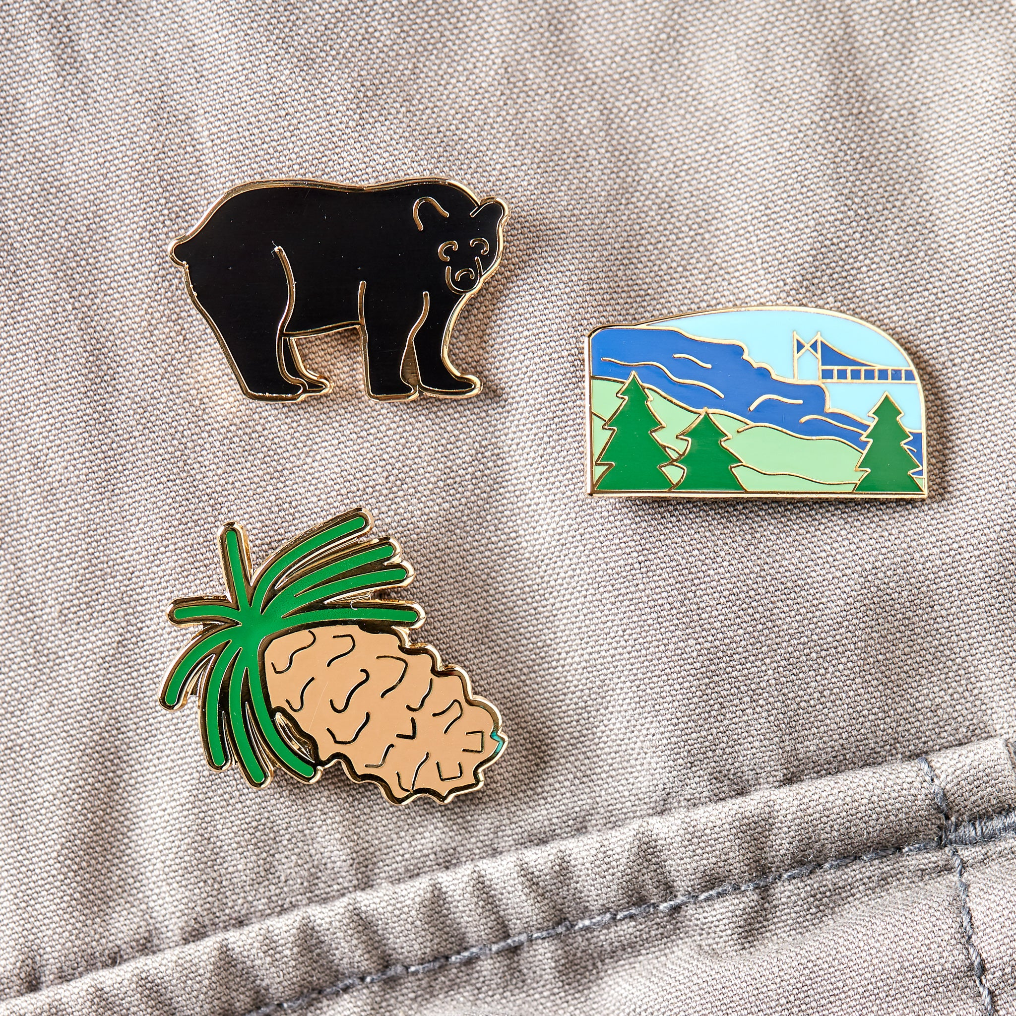 Mountain Pin Set