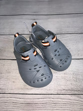 Load image into Gallery viewer, Children's Place Shoes-size 5