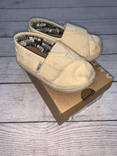Load image into Gallery viewer, Toms Classic Canvas Shoes-size T5