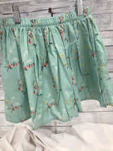 Load image into Gallery viewer, Gap Kids Skirt- size 10