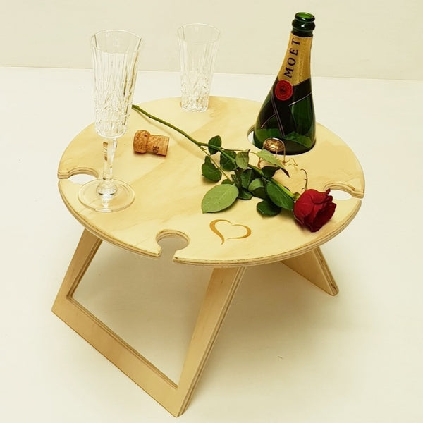 Round Natural Lovers Picnic Table for 4