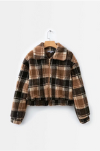 Load image into Gallery viewer, Fashion Lapel Plaid Thick Lamb Hair Short Coat