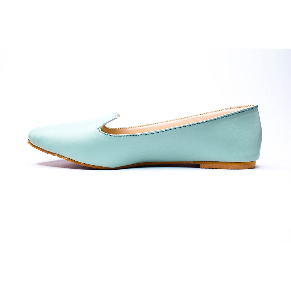 Pastel blue pointed bellies