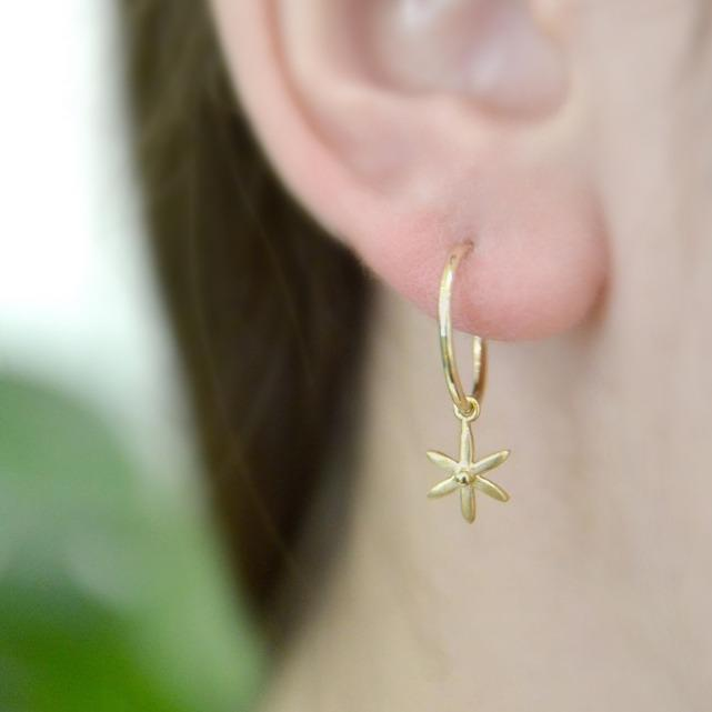 Sleeper Hoop Earring w/ Mini Star - Anne Sportun Fine Jewellery
