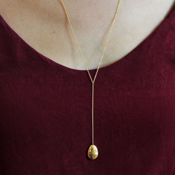 Petal Oval Pendant Drop Chain