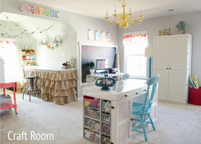 Linda's Craft Room Tour! (Craftaholics Anonymous)