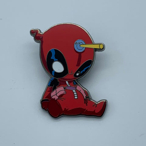 SKOTTiE YOUNG DEADPOOL NYCC 2015 MARVEL EXCLUSiVE ENAMEL PiN