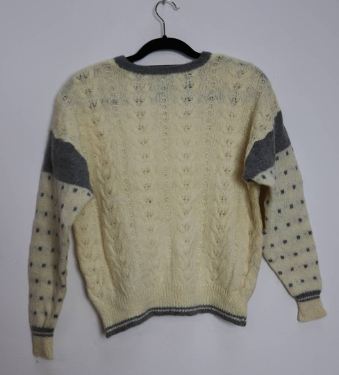 White + Grey Polka-Dot Cable-Knit Jumper - M