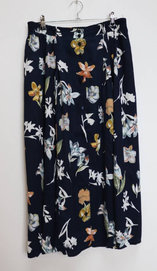 Navy Floral Button-Down Midi-Skirt - M