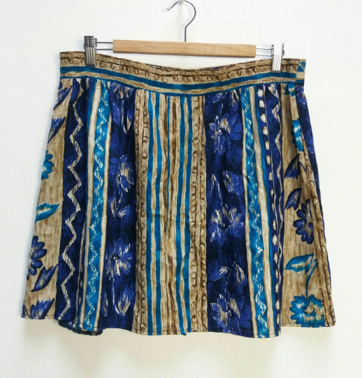 Blue Floral Patterned Mini-Skirt - XL
