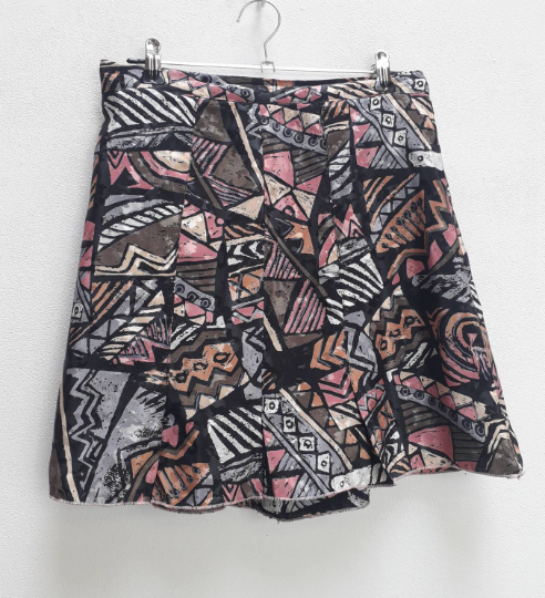 Geometric Pattern Mini-Skirt - M