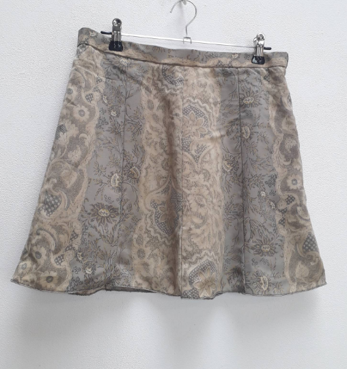 Grey Floral Mini-Skirt - S/M