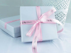 Gorgeous gift wrapping - box with ribbon - Jewellery by Linda