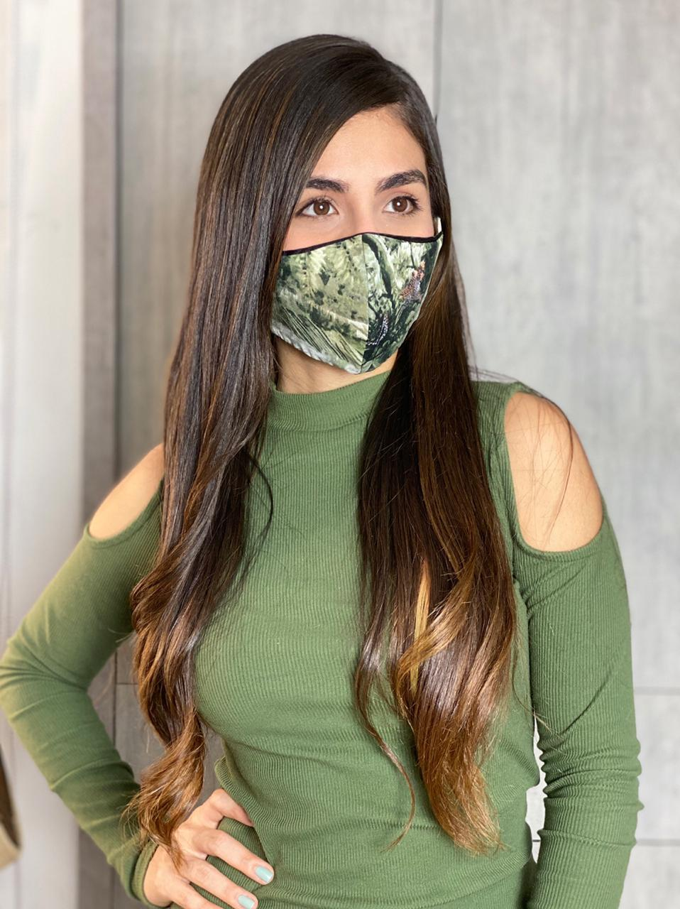 Reversible and adjustable 2-in-1 Jungle Mask
