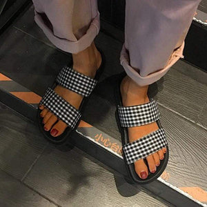 New Wild Fashion Plaid Slippers Female Summer Flat