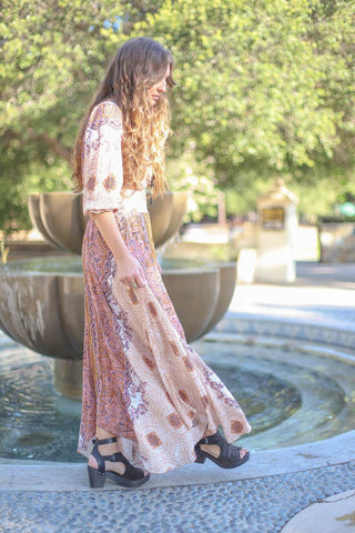 1970s fashion trend bohemian dress