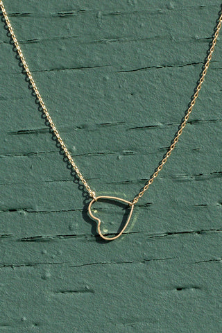 gold heart necklace pretty
