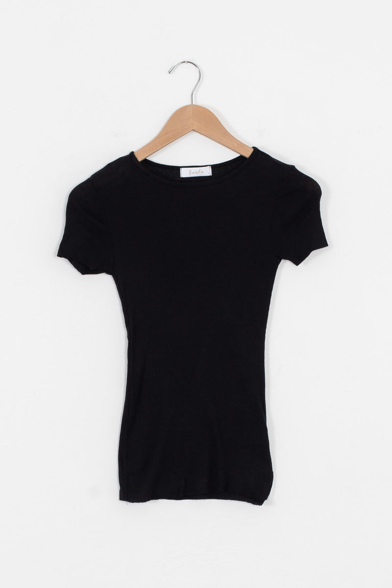 thin black ribbed tee